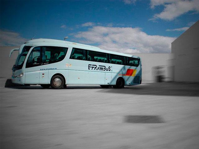 Aprovecha las paradas para realizar Ejercicios para piernas para viajes en autobús