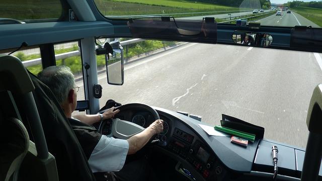 Imagen de cómo evitar mareos en el autobús