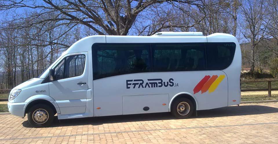 ventajas de alquilar microbuses