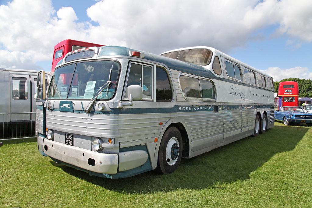 autobus-greyhound
