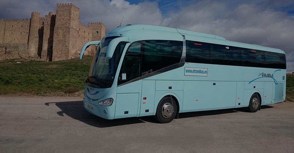 imagen del post sobre consejos básicos para viajar en autobús en verano